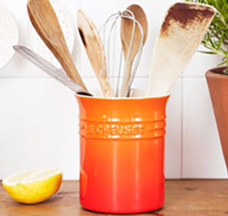 Le Creuset cutlery and utensils storage