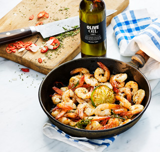 Vannamei shrimps and chili oil